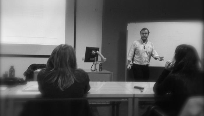 Javier Godoy Impartiendo clase